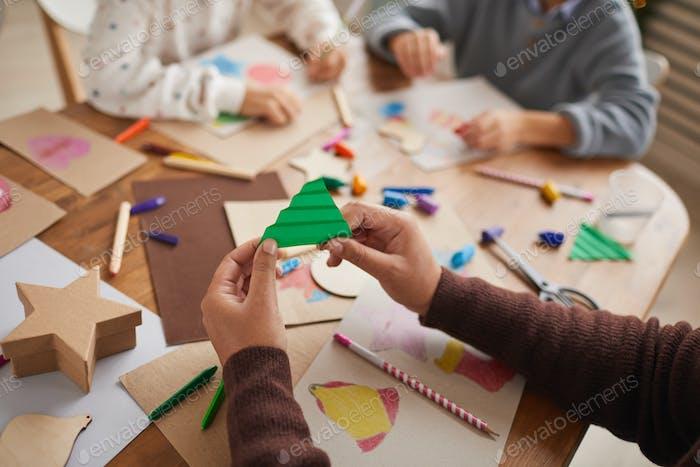 Kunst- und Handwerkskurs zu Weihnachten