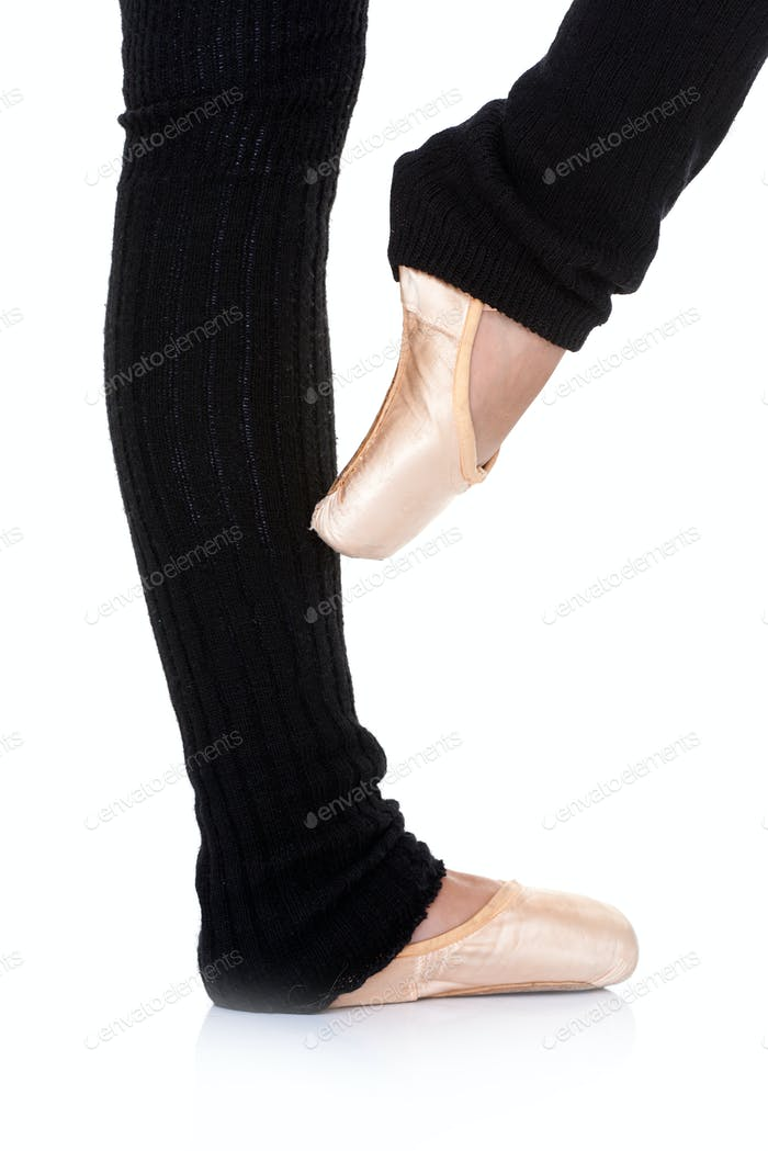 Balletttänzerin posing en pointe