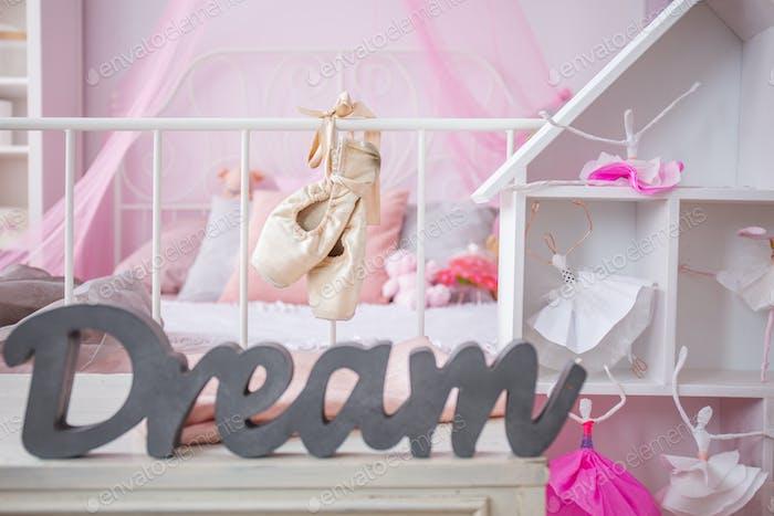 Dreamy pink ballerina bedroom