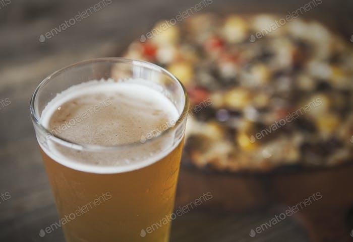 Bier und Pizza