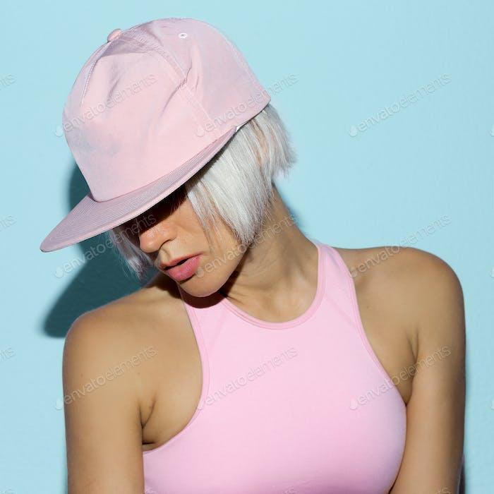 Rnb Mädchen in einer Kappe Urban Stil Mode