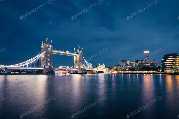 Skyline of London at night