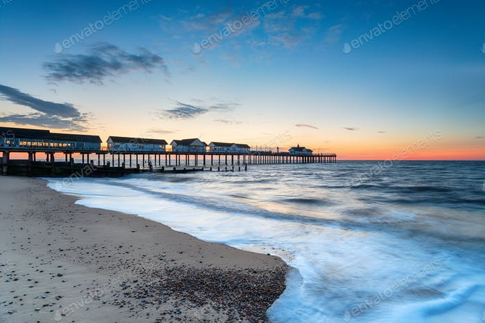 Dawn at the pier at Southwold
