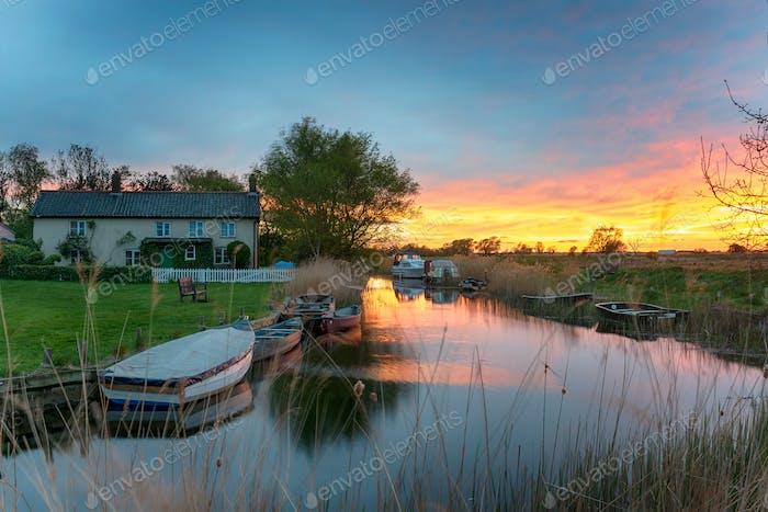 Sonnenuntergang bei West Somerton in Norfolk