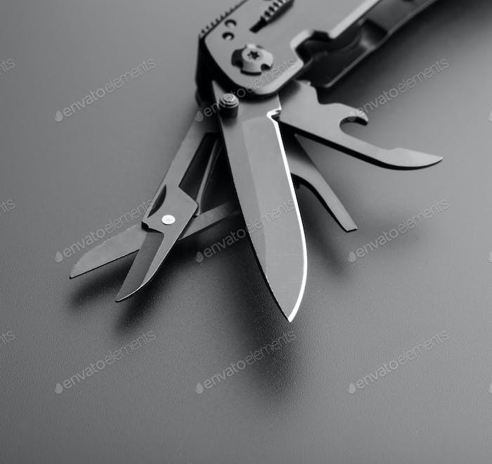 Multitool knife