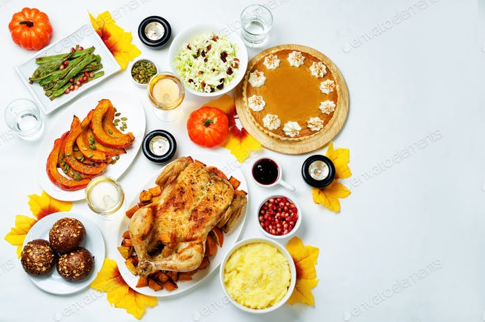 Autumn Thanksgiving main dish table setting