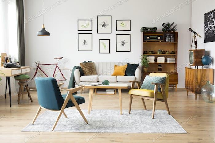 Vintage-Möbel in einer Wohnung