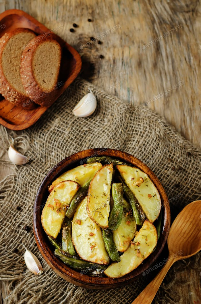 Garlic herb roasted potatoes and green beans