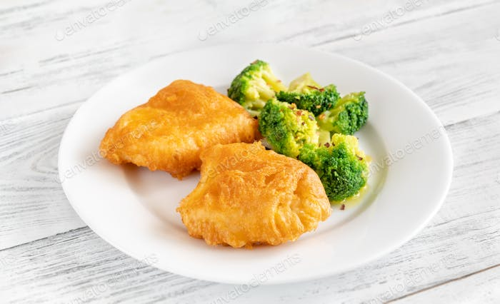 Battered fish with broccoli