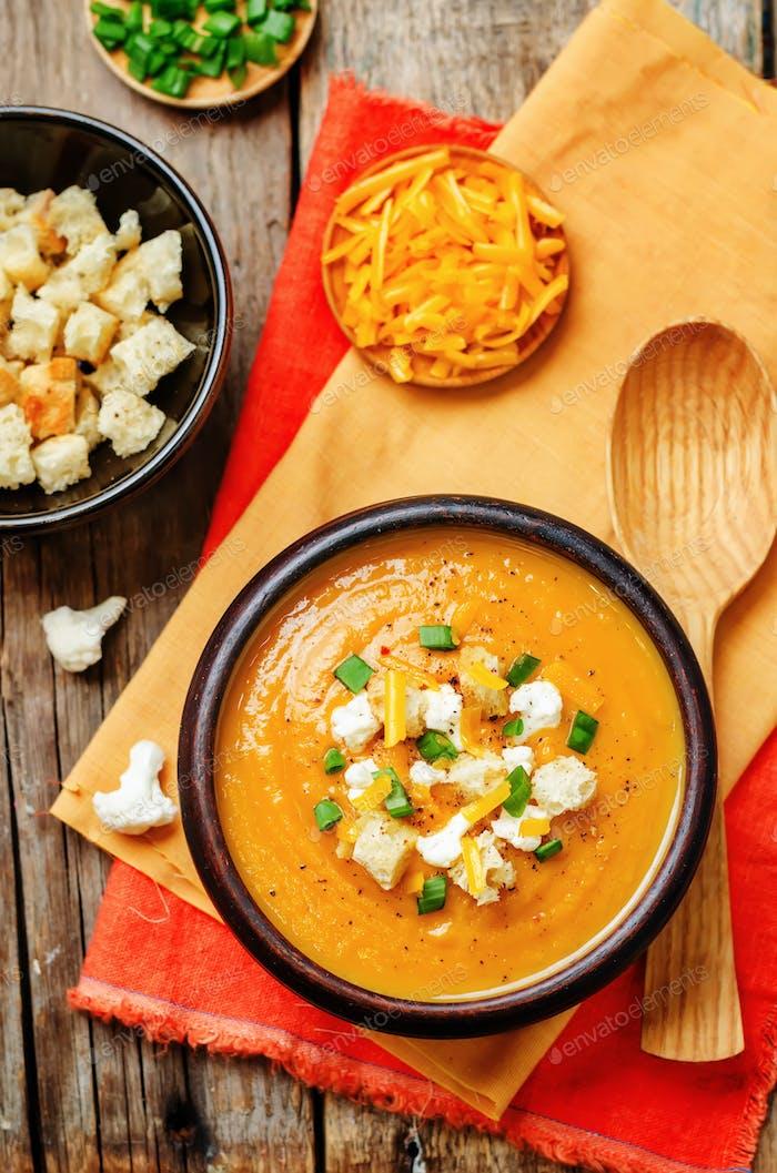 Süßkartoffeln Blumenkohl Suppe