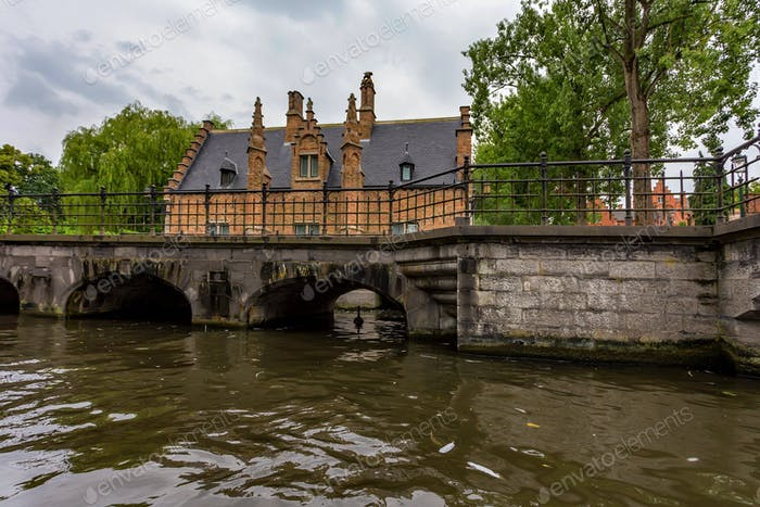 Beautifull canal and buildings of Bruges, Belgium