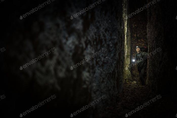 Schmale Höhlenexpedition
