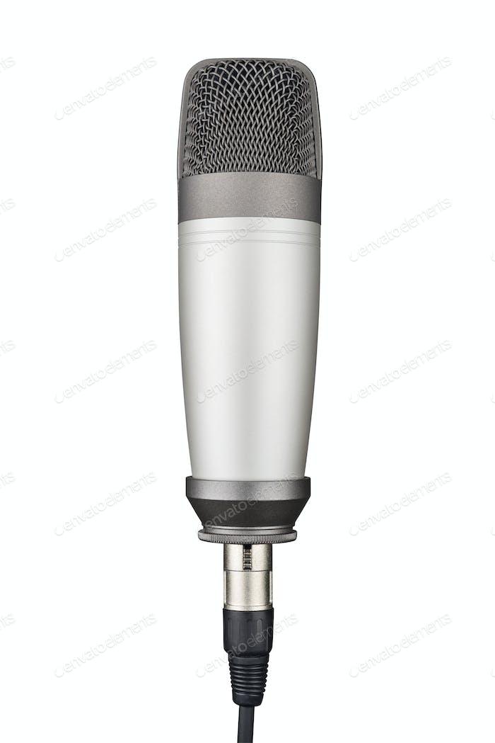 Graues Studio-Kondensatormikrofon isoliert auf weißem Hintergrund