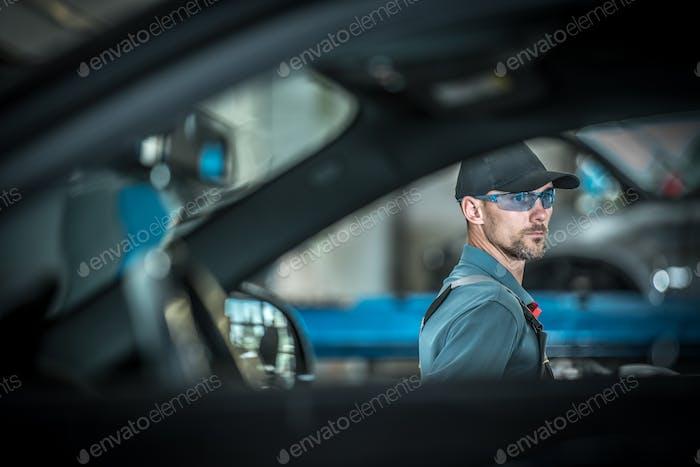 Profesión Mecánico Automotriz