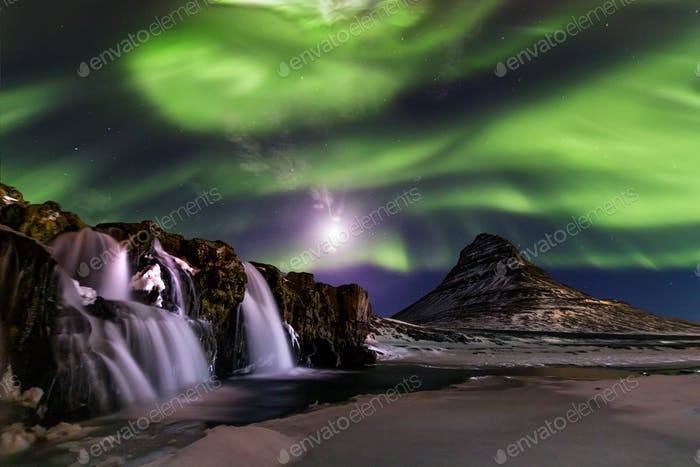 Northern Light, Aurora borealis in Kirkjufell in Island