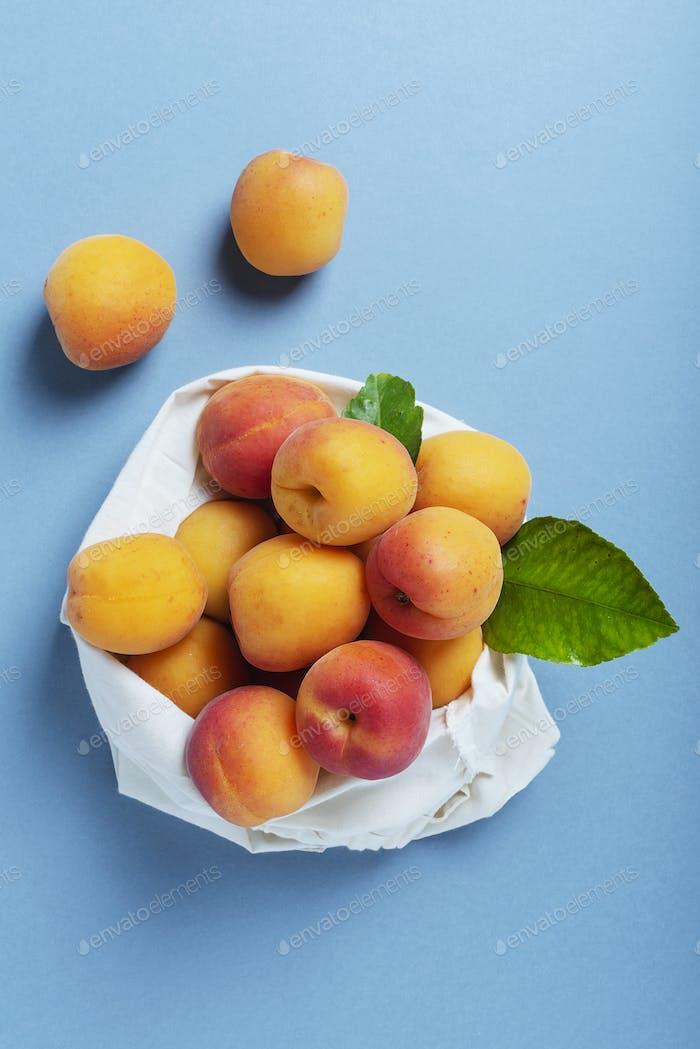 Fresh biological apricots