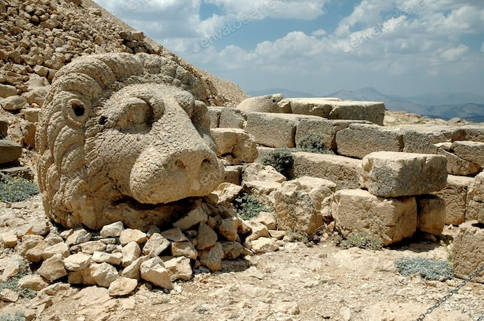 Ancient stone heads on Mount Nemrut, Turkey