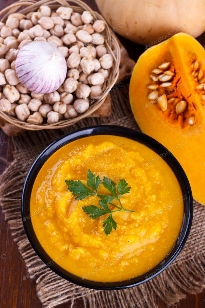 Carrot pumpkin and chickpeas soup