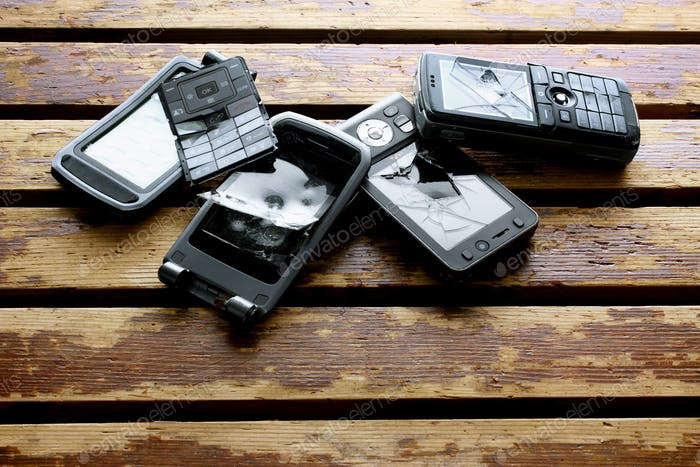 Gebrochene Mobiltelefone