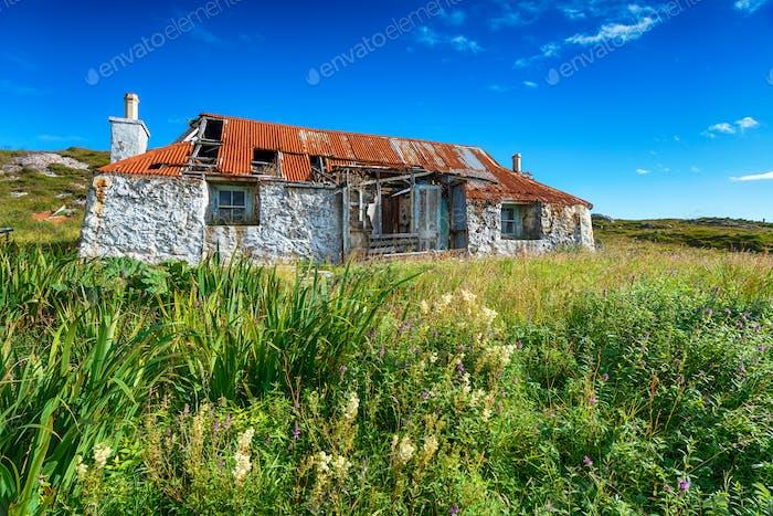 An old derelict croft house at Quidnish