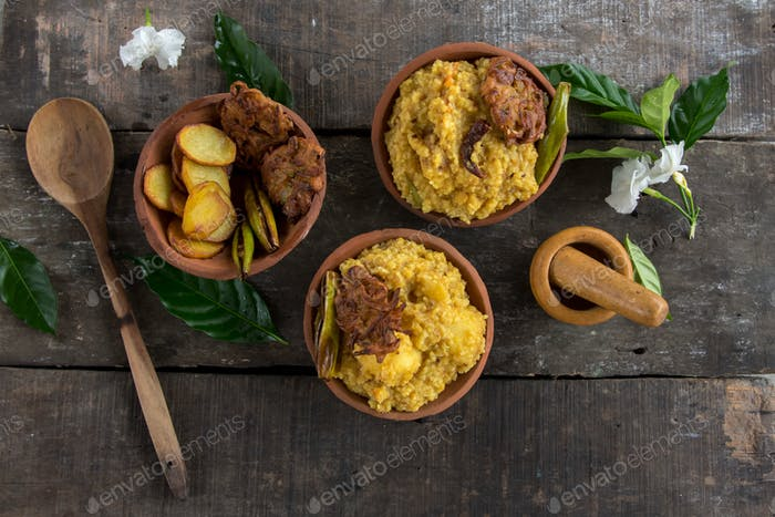 Khichdi and fried vegetables