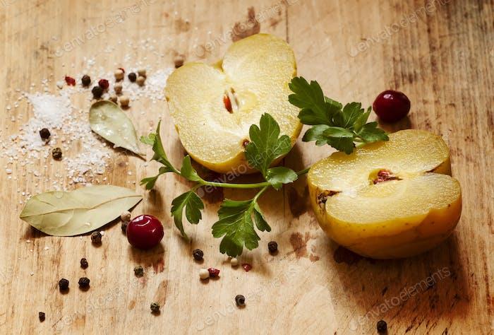 eingelegte Äpfel