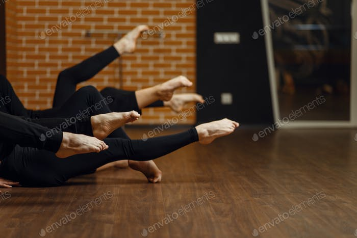 Contemporary dance performers, legs flexibility