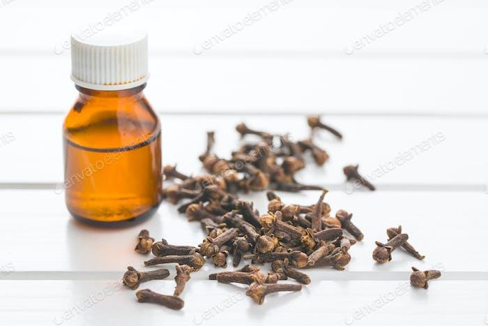 Ätherisches Öl von Nelken.