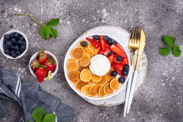 Sweet pancake cereals with berries