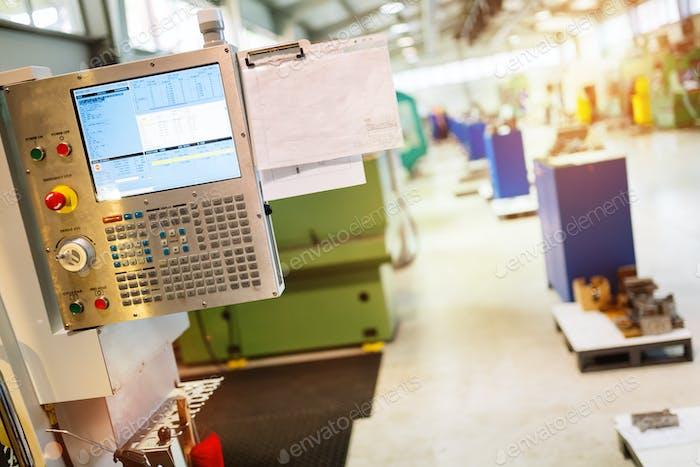 Paneel einer CNC-Maschine