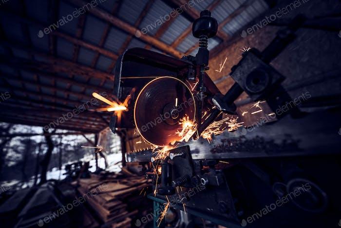 Circular metal saw