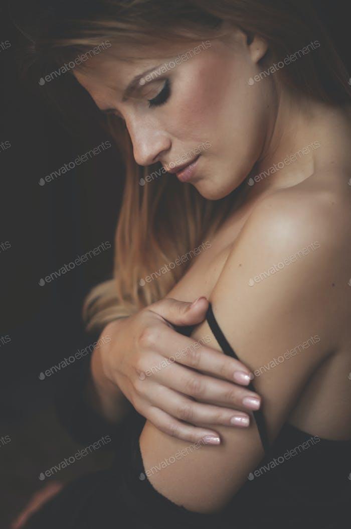 Boudoir photo of sexy girl