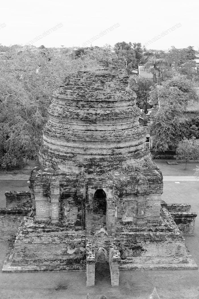 The ruins of Wat Yai Chai Mongkhon