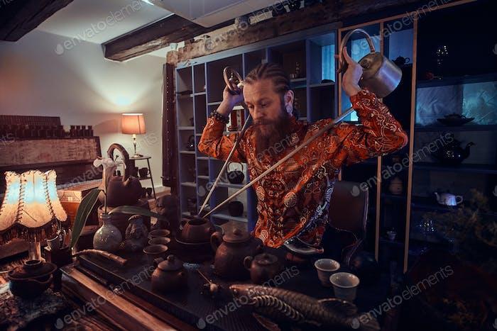 Tradition, Gesundheit, Harmonie. Chinesische Teezeremonie