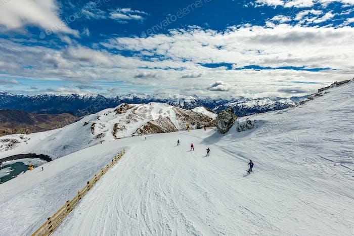 Neuseeland Bergpanorama und Skipisten von Corone aus gesehen