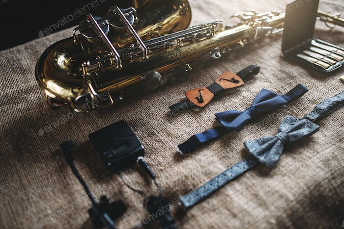 Saxophone, brass band instrument equipment