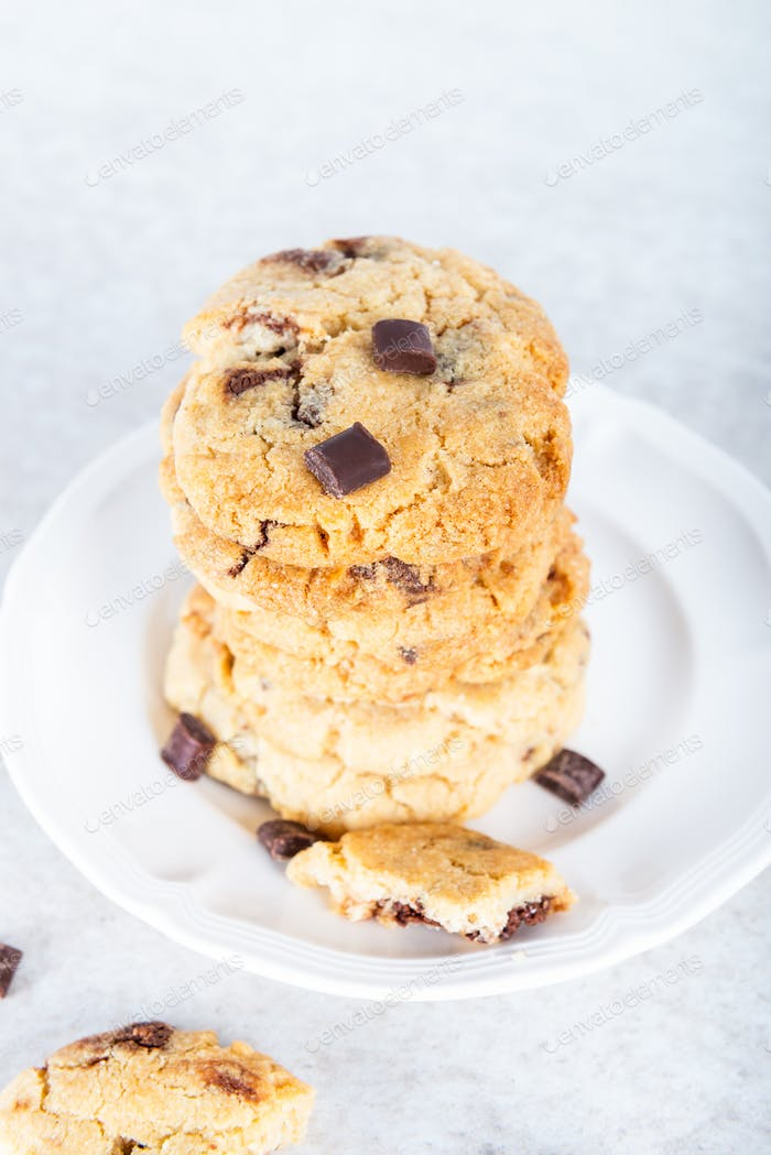 Vanilla biscuits with chocolate chips