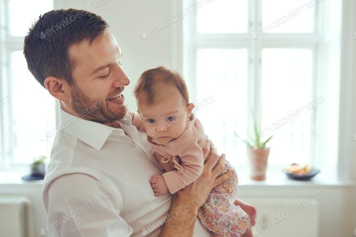 Babys sind eine Handvoll, die jeder liebt