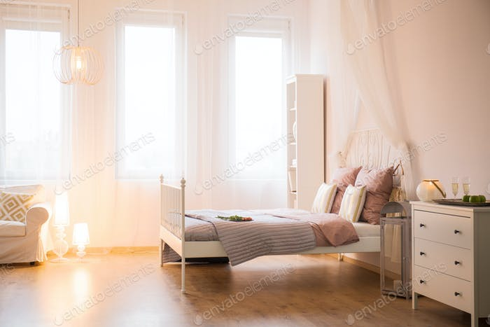 Room with decorative lighting