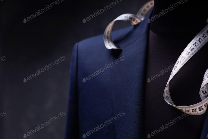 костюм куртка на мужской портной манекен