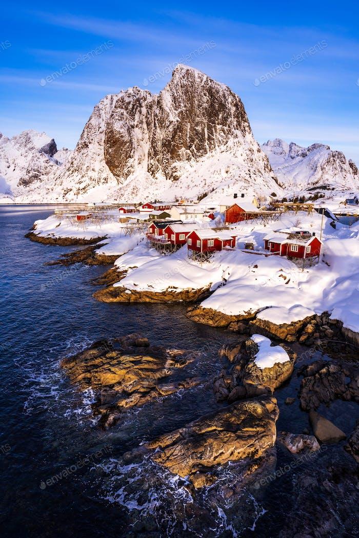 Hamnoy Dorf in der Wintersaison, Lofoten Inseln, Norwegen
