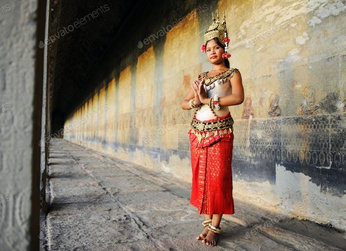 Камбоджийская леди