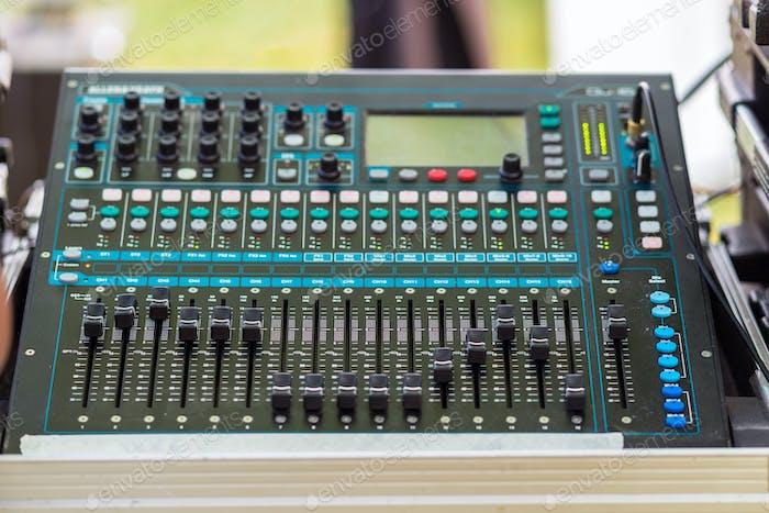 Mezclador de Audio de primer plano, Concepto musical
