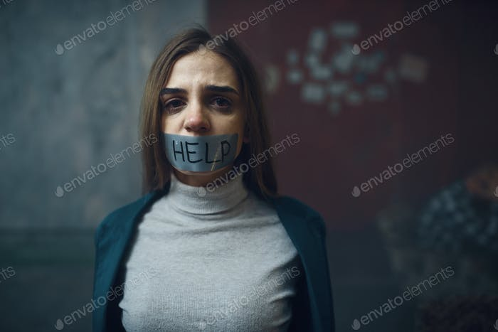 Víctima con la boca cerrada cerrada, secuestro