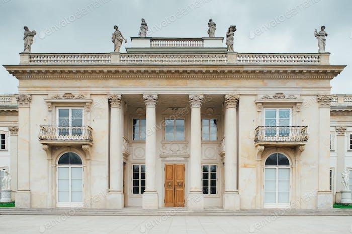 Altes Palast- und Parkensemble von Lazienki in Warschau