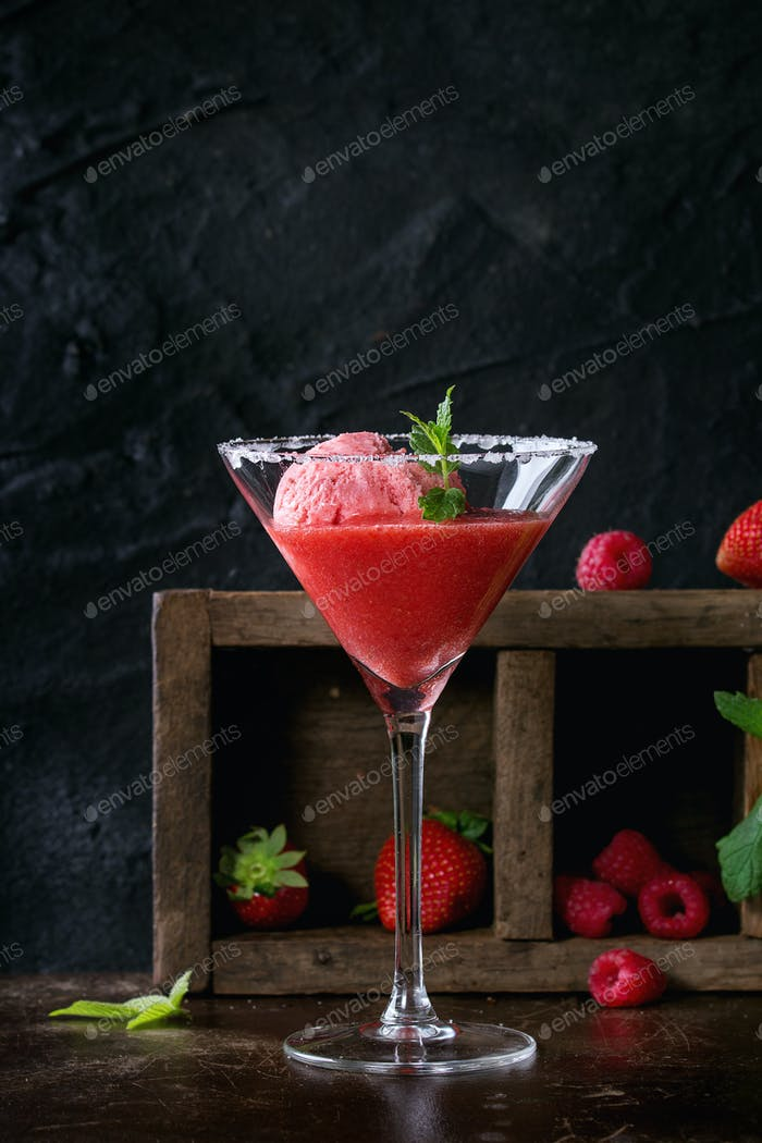 Strawberry sorbet with mint