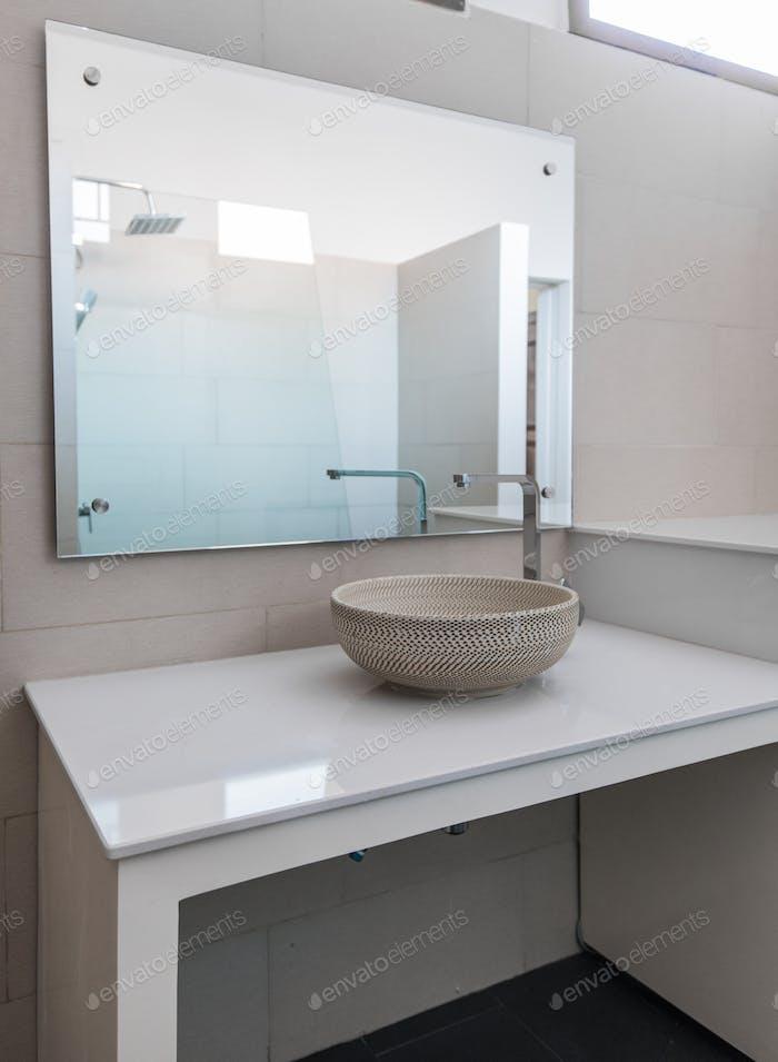fregadero Moderno en el baño