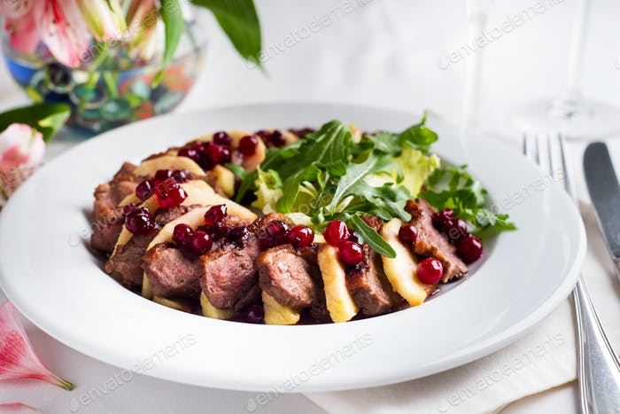 Roasted Duck Meat with Apple Slice