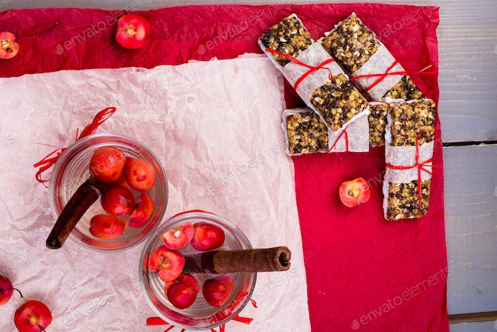 Diet muesli bars with detox apple cinnamon water