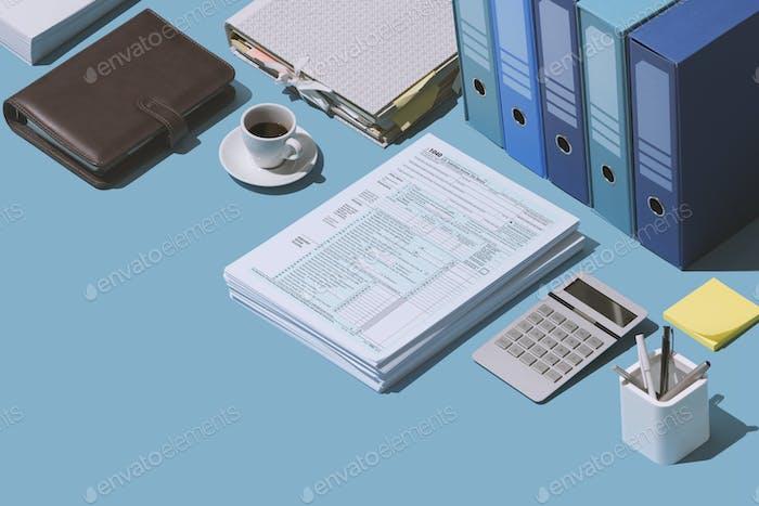 Presentación del formulario de declaración de impuestos 1040